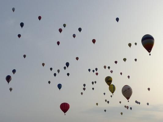 Décollage de montgolfières à Montreuil-Bellay