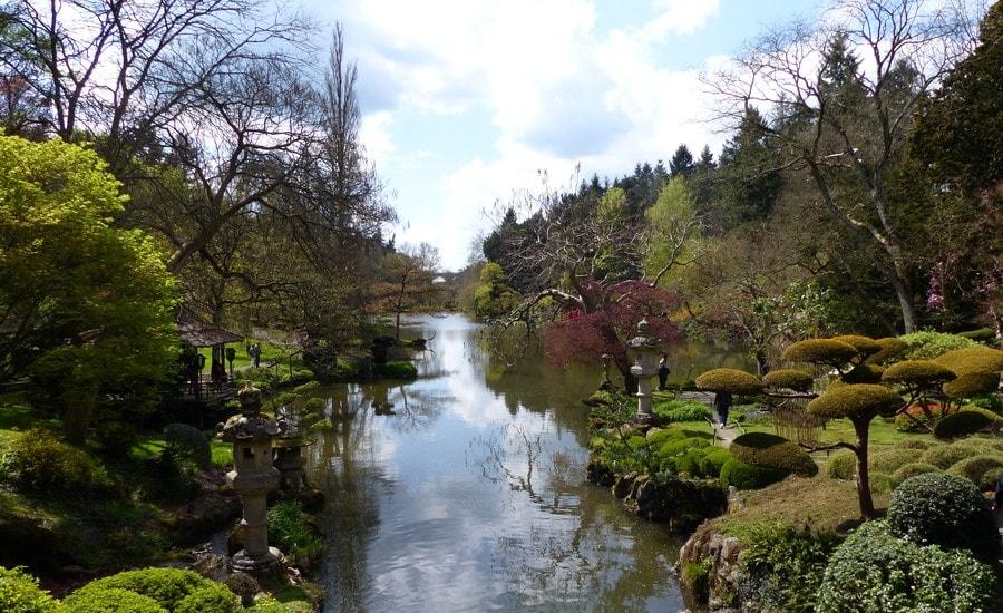 Vue sur la rivière Moine traversant le parc de Maulévrier